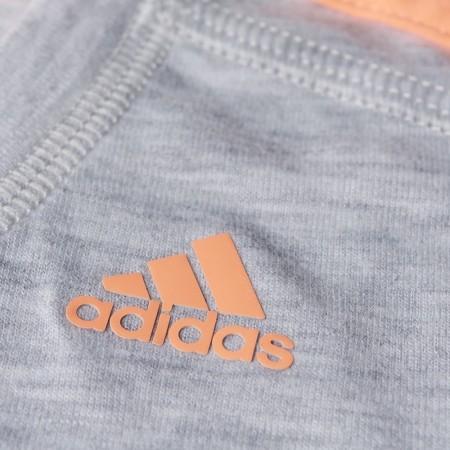 Damska koszulka sportowa z krótkim rękawem - adidas ESS THETEE - 12